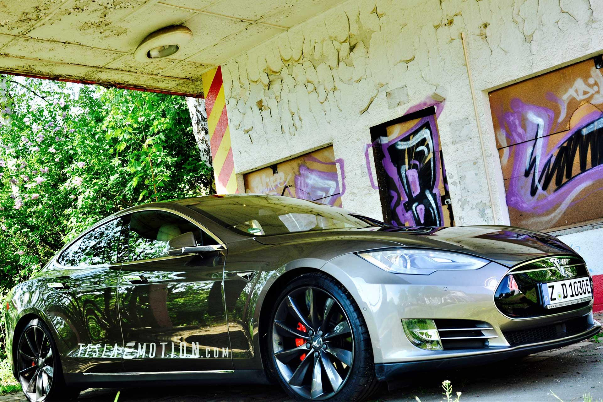 Tesla-alte-Tankstelle
