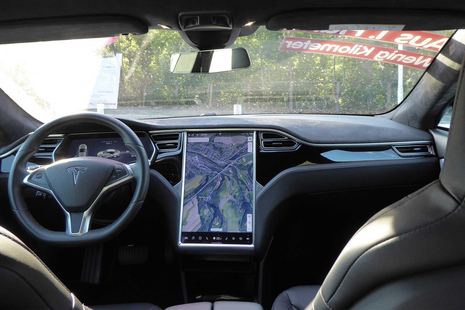 Tesla-S-70-grau