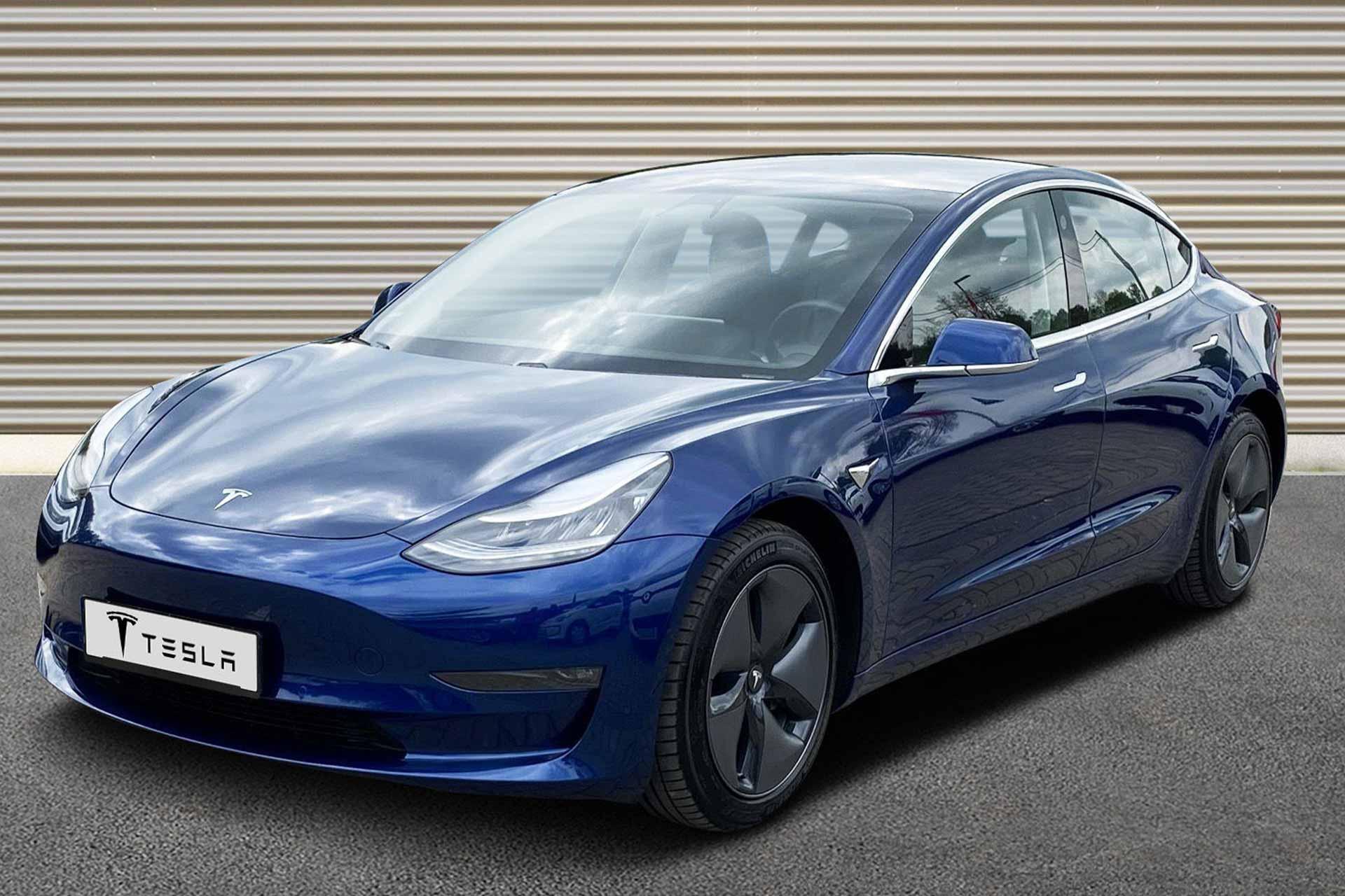 Model-3-blau-a